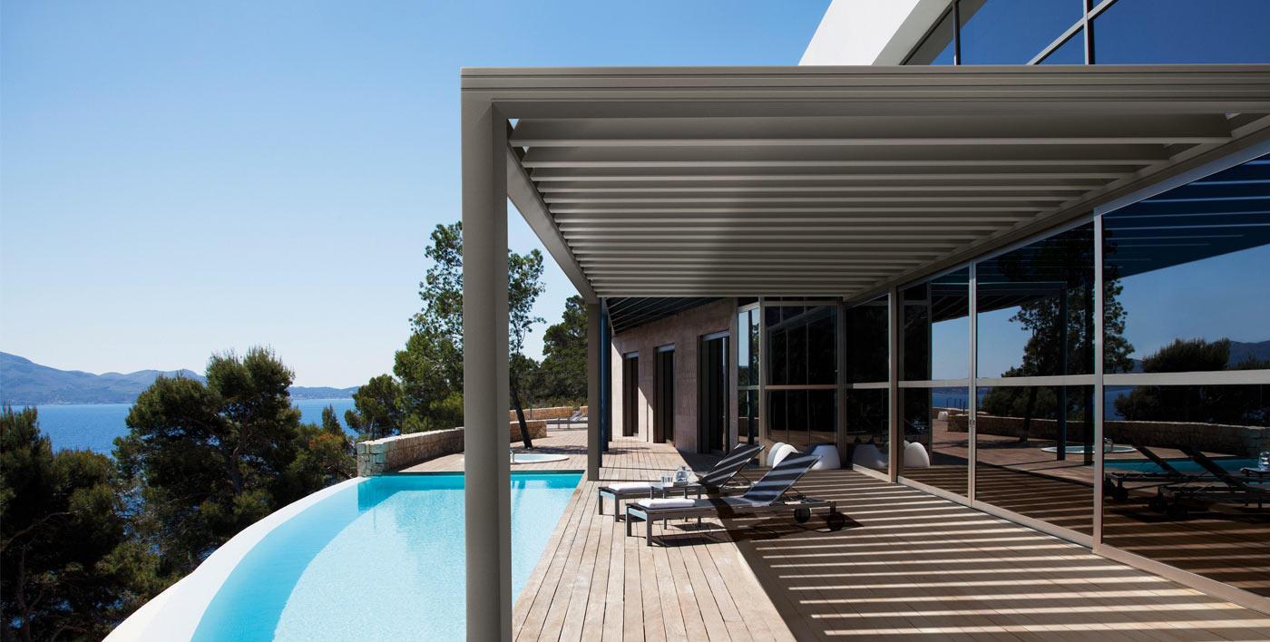 Brise soleil aluminium et mur rideau